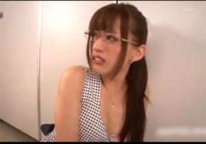 美人な眼鏡司書さんが号泣するほど犯される強姦レイプ!