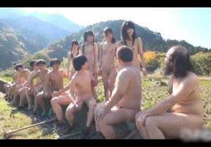 男も女も常に全裸で娯楽でセックスしまくってるとあるド田舎!