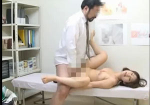産婦人科にきた女性患者が髭面のむさいおっさんに犯される!