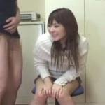 【エロ動画】 素人娘にチンコの大きさを測ってもらう企画ナンパ!