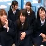 【エロ動画】 北海道から修学旅行にやってきた道産子たちにチンポ見せナンパ!