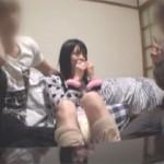 【エロ動画】 可愛い顔して彼氏の友達と3Pしちゃう女の子!