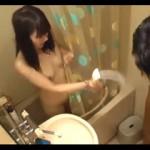 【エロ動画】 姪っ子に偶然チンポを見られてしまい興味津々に見つめられて・・・