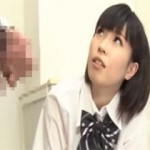 【エロ動画】 後輩の女の子にバカにされながら目の前でセンズリ鑑賞!