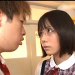 ミニスカ優等生が教室でクラスメイトの男子を挑発誘惑して大胆セックスを披露するエロ動画!