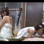 友達の父親をパンチラで挑発してセックスまで持ち込むマセた娘の友達と3Pしちゃう動画!