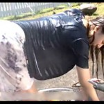突然のゲリラ豪雨でビショ濡れになったお姉さんに欲情してヤっちゃった濡れ透けファック動画!