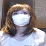 熟女人妻が漫画喫茶の個室でオナニー配信するライブチャット動画!