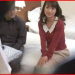 自分の妻が寝取られてる姿を見たい旦那が妻に仕掛けたドッキリ猥褻マッサージの隠し撮り映像!
