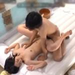 友達同士の大学生男女が一緒に混浴入浴!初めての2人っきりの裸の付き合いにフル勃起して友達同士でセックス!