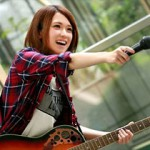 片桐えりりかの親友でアマチュアバンドのボーカルの椎名そらが本格的にAVデビューして羞恥セックス!
