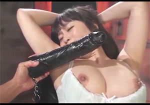 人気女優をぶっ壊す☆☆極太ディルドとちんこで2穴をガバガバに拡張されちゃう過激ファック☆