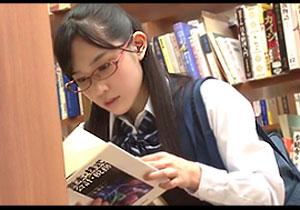 真面目な優等生が図書室では大きな声を出さないというルールを守って強姦される極悪陵辱☆