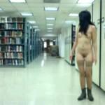 ついに素人の過激っぷりもここまで来た!大学の図書館から1人で露出配信する素人娘!