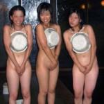 フェイスブックやインスタグラムでアップされたお風呂で撮影した女性達の悪ノリ画像集!
