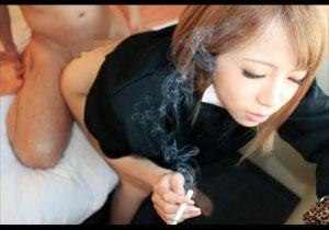 ハメられながらもタバコ吸って一服しちゃう大阪心斎橋のヤンキーがAV出演☆意外と従順・・・ww