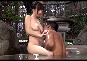 美巨乳女子マネージャーとBOY部員が混浴したらセックスしちゃうのか一般男女モニタリングAV☆