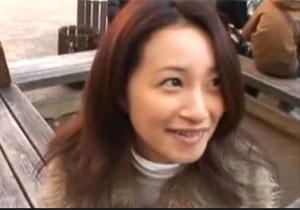 AV応募してきた30才のモデル妻とカラオケボックスで恥ずかしいプレイ&ナカ出しSEX☆