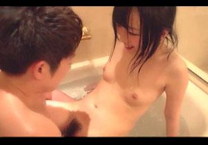 ピンクチクビの濡れた髪がえろい女子とお風呂でイチャイチャしまくるハメドリSEX☆