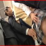 電車で持ち物が女性のアソコに当たって感じまくり!痴漢と勘違いし勝手に発情した女性とヤレた!