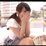 目の前に一万円札の束を見せられてチンポ舐めちゃう素人女子大生!追加料金でセックス