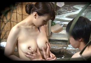 姉と弟が混浴チャレンジ☆弟のことが大好きなオネエちゃんの挑発に負けて近親ソウカン☆
