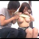 彼女の親友の巨乳を揉みまくるエロミッションで誘惑に負けて親友とヤっちゃう一般男女モニタリングAV!
