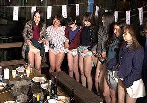 「こんなおばさんをムラムラさせてどうするの?」 混浴民宿でお母ちゃん友チームが青年チームと王様GAME☆