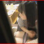 彼女が彼氏に手コキフェラしてあげてるのを盗撮した生々しい大学生カップルの隠し撮り映像!