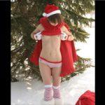 クリスマスに世界各国で露出してみんなに裸というプレゼントをくれた女サンタたち!