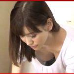 人妻の胸元からチラ見えする乳首に興奮して強引にヤっちゃう!