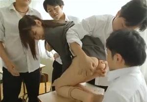 男子校の女教師はこうなる!数の暴力で男子生徒に押さえつけられ授業中にレイプ!