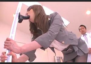 ウソ診察で女教師をイラマチオさせまくるセクハラ医者!