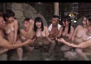 山奥の温泉で行われるセックス有のお泊りコース!