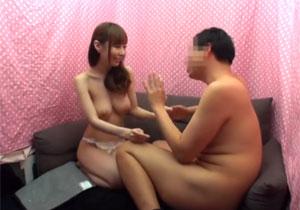 10万円欲しさに兄を説得してエッチしちゃうヤリマン妹との近親相姦ナンパ!