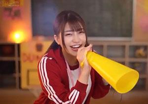 この笑顔が可愛い女子マネージャーにイラマチオしまくる過激3Pファック!