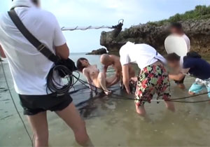 AVはこうやって撮影される!鈴村あいりちゃんの南国AVのメイキング映像!